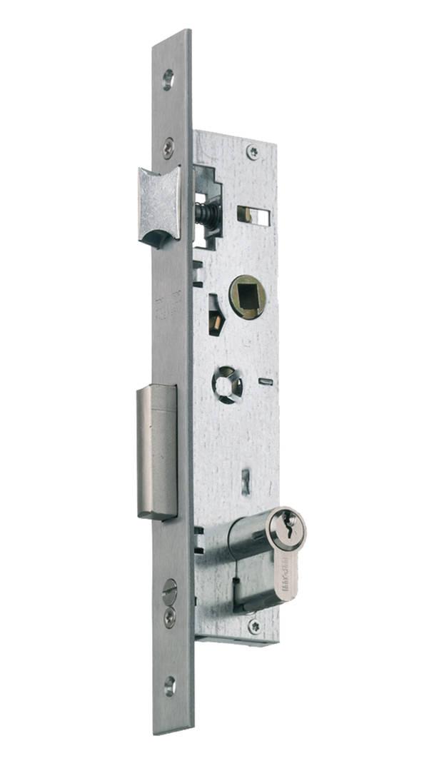 Quitar cerradura puerta de madera
