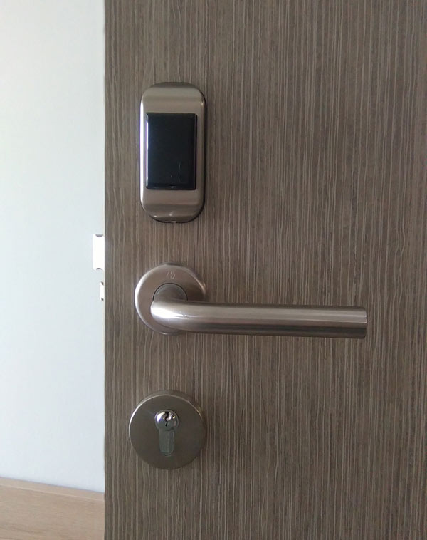 Hotels locks installation