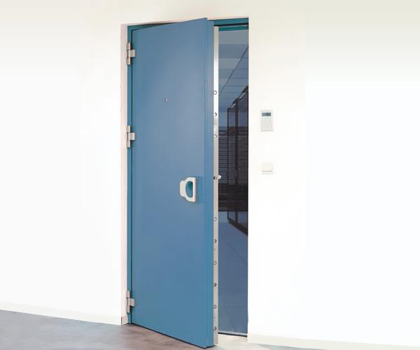 break-in resistance Armored door in banking