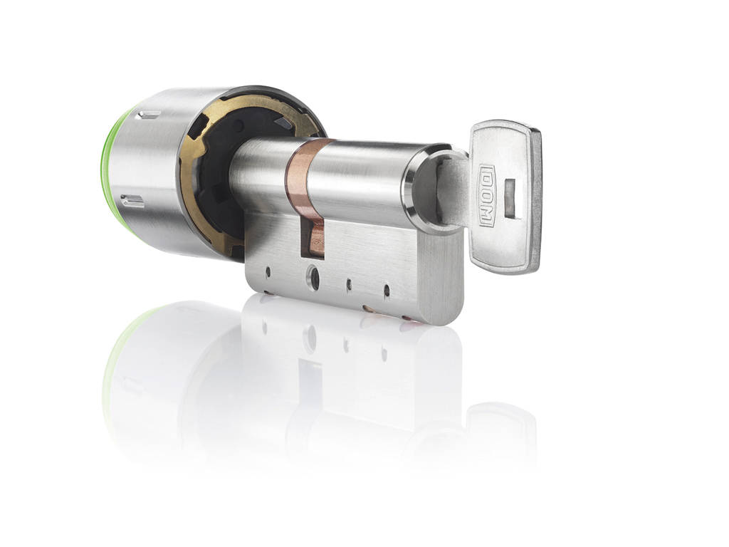 Special key for mechanical inner locking of EE IM